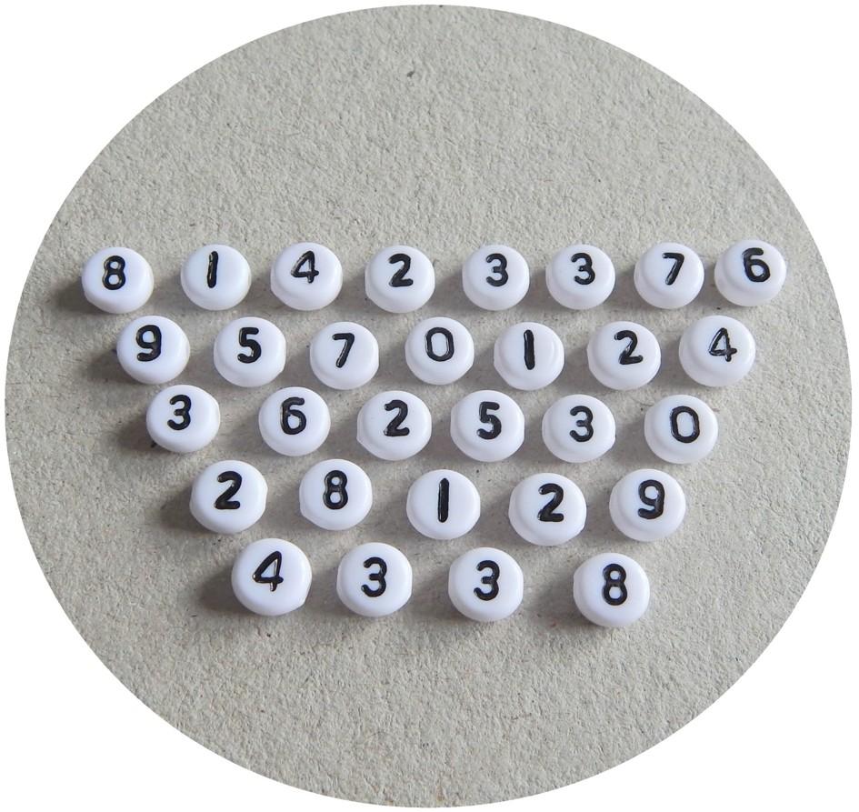 Akrylové korálky čísla, 4x7mm, balení 20 ks