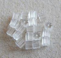 Náušnicová zarážka plastová 3,5x2,5mm, balení po 25 ks