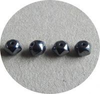 Mačkané korálky, tvar 07x08, hematit, balení 20 ks